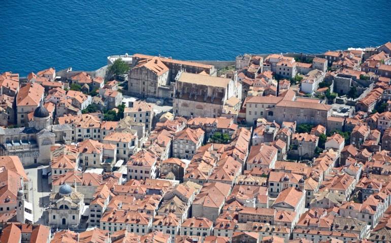 Über den Dächern der Altstadt: Dubrovnik Brdo Srd