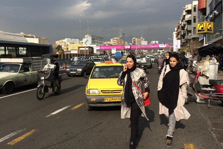 Travellers Insight Reiseblog Teheran Straßenverkehr