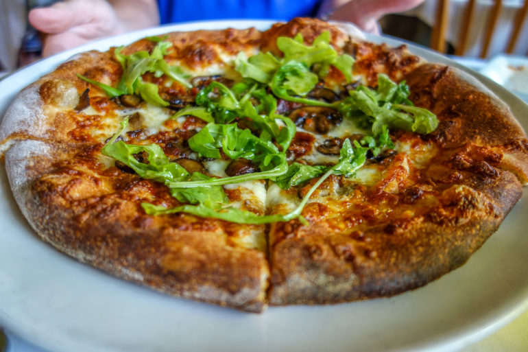 Travellers Insight Reiseblog Virginia Magnolias Pizza