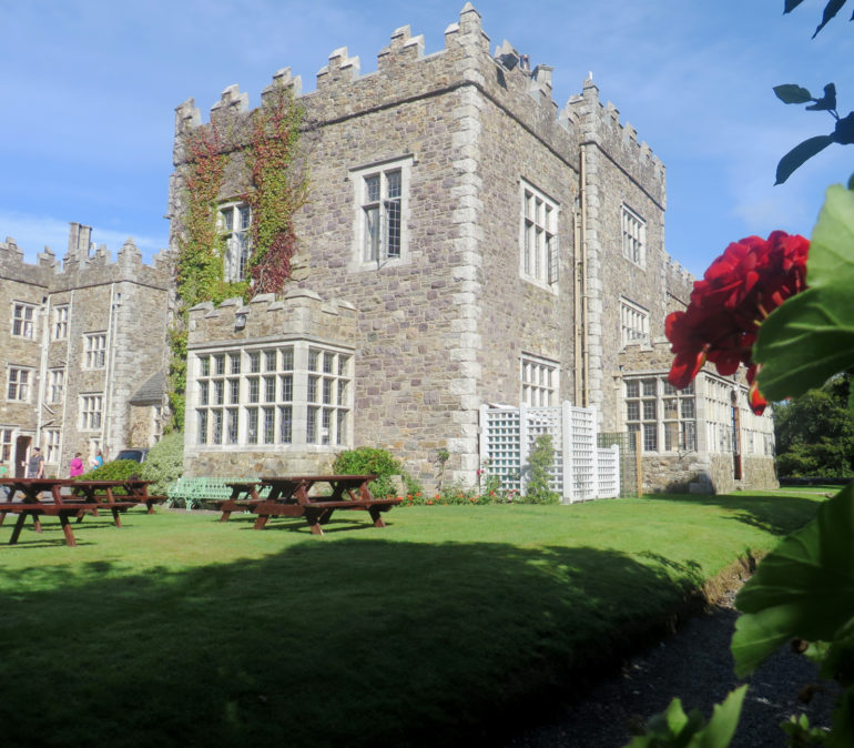 Travellers Insight Reiseblog Irland Roadtrip Waterford Castle