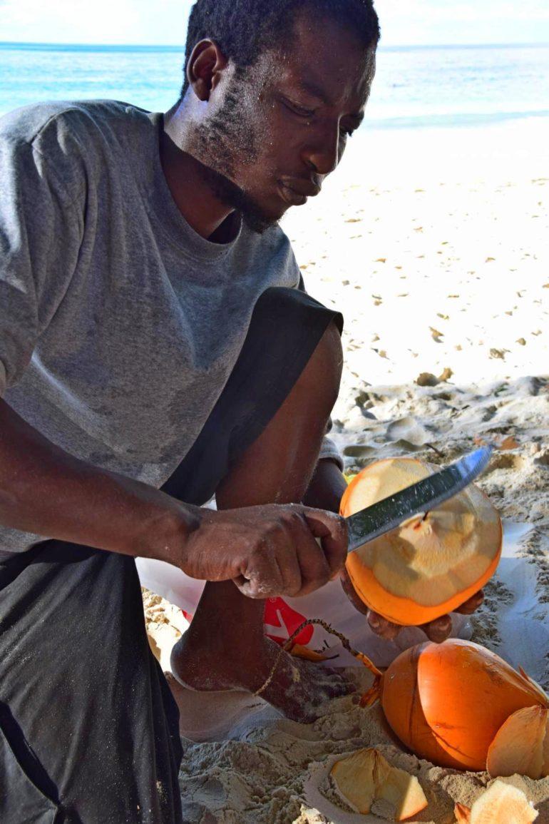 Travellers Insight Reiseblog Traumstrände Seychellen Beau Vallon