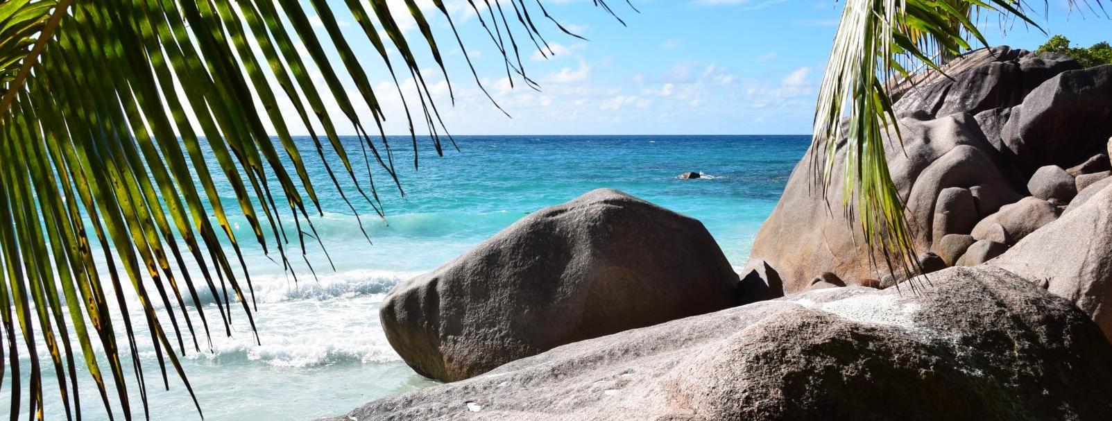 Header 10 granitfelsen traumstrand anse lazio praslin seychellen