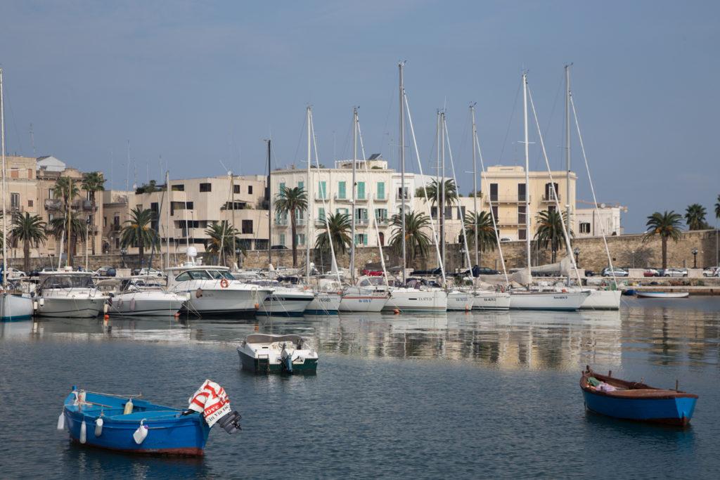 Ein Highlight auf der Apulien Rundreise ist der Hafen von Bari.
