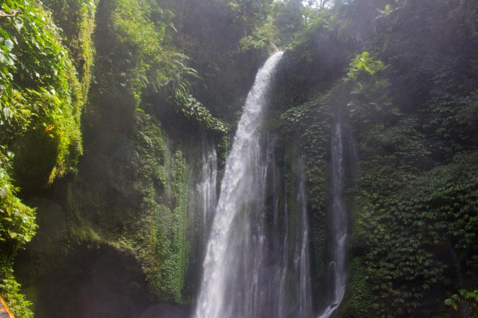 Travellers Insight Reiseblog Lombok Wasserfall Tiu Kelep