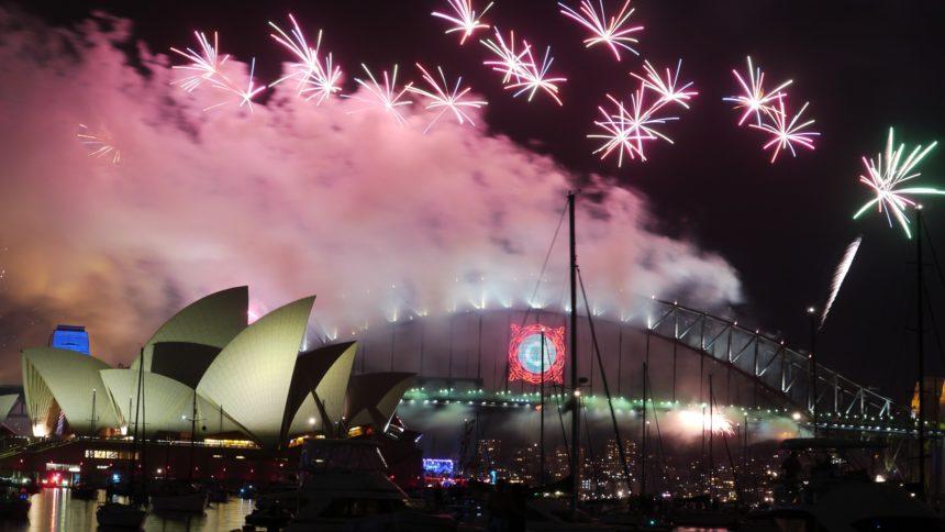 Travellers Insight Reiseblog Neujahrsbräuche Silvester Harbour Brigde Sidney