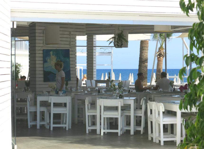 Travellers Insight Reiseblog Larnaka Zypern Ammos Beachclub