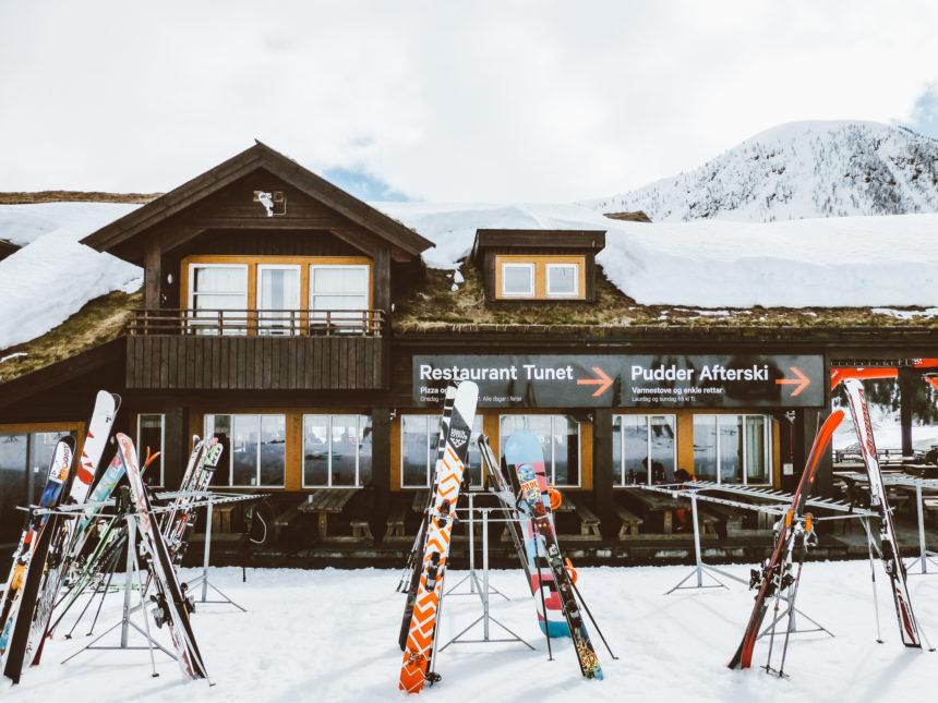 Travellers Insight Reiseblog Skifahren Norwegen Myrkdalen Skihütte