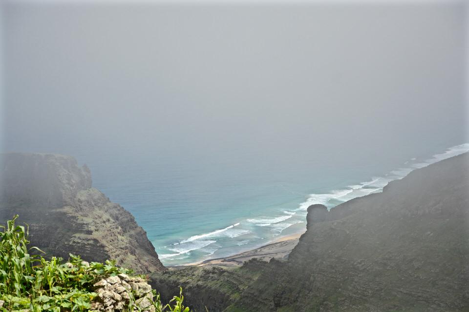 Auf den Kapverden bei Sao Vicente Mindelo, sowie auf dem Monte Verde bildet sich oft schnell ein leichter Nebel, der aber ebenso schnell wieder verschwindet.