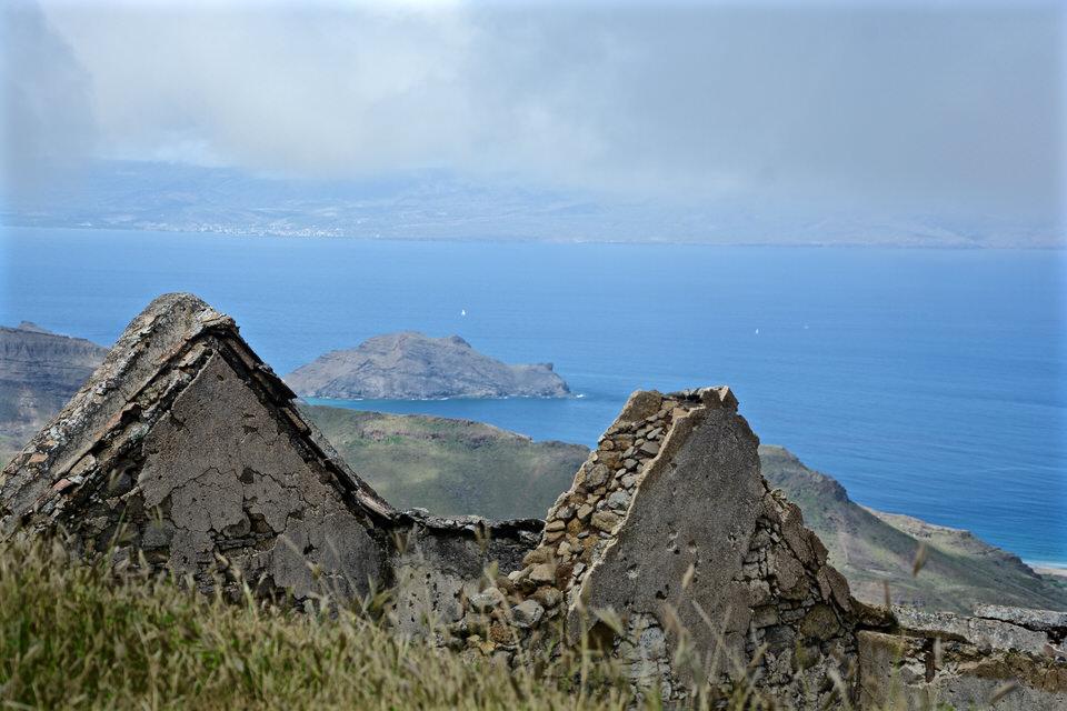Ein typisches Wahrzeichen auf den Kapverden bei Sao Vicente Mindelo sind die vielen kleinen alten Steinhäuser.