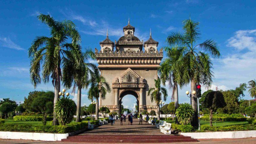 Laos Sehenswürdigkeiten Vientiane Patuxai