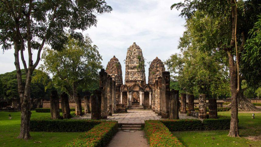 Thailand Wat Sri Sawai Travellers Insight Reiseblog von Bangkok nach Chiang Mai Reise durch Thailand