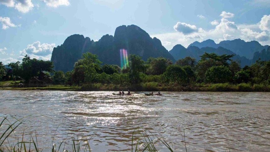 Laos Sehenswürdigkeiten Nam Song Fluss