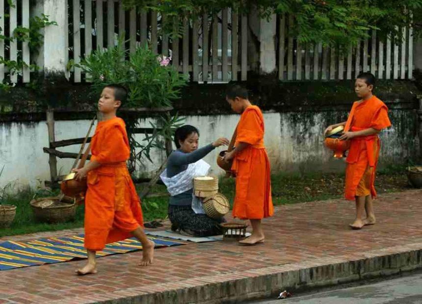 Travellers Insight Reiseblog Speisevorschriften buddhistische Mönche