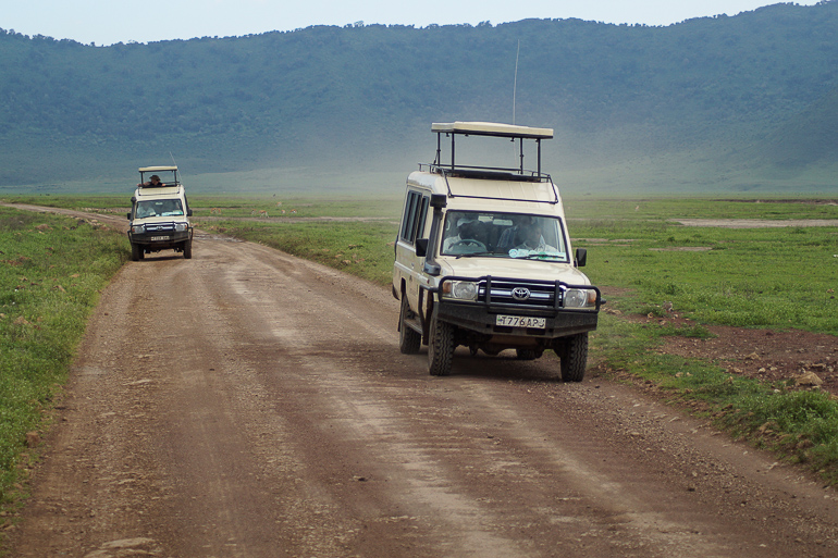 Tansania Safari Travellers Insight Reiseblog Land Cruiser