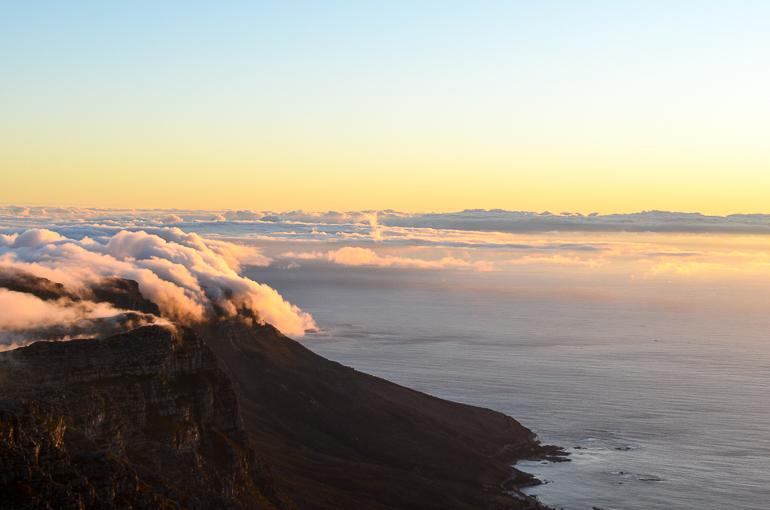 Travellers Insight Reiseblog Südafrika Kapstadt Sonnenuntergang Tafelberg