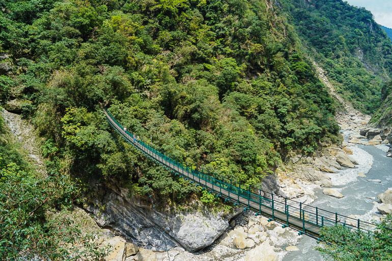 Travellers Insight Reiseblog Taiwan Osten Roadtrip Taroko Schlucht Hängebrücke
