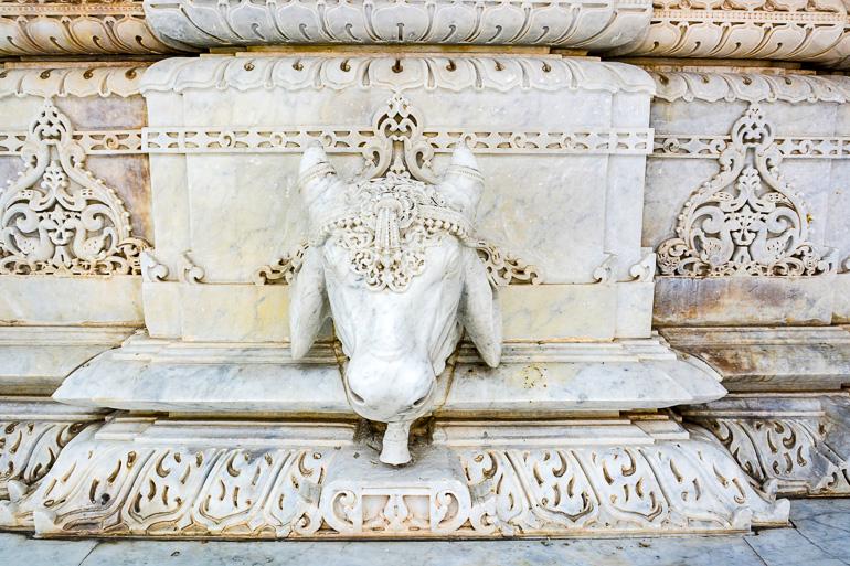 Travellers Insight Reiseblog Gotteshäuser Akshardham Tempel Fassade
