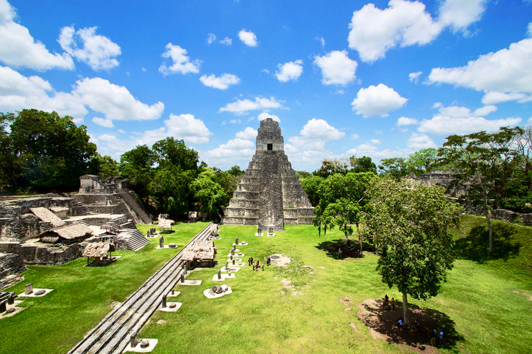 Guatemala-Tikal-Tempel-Gran_Plaza