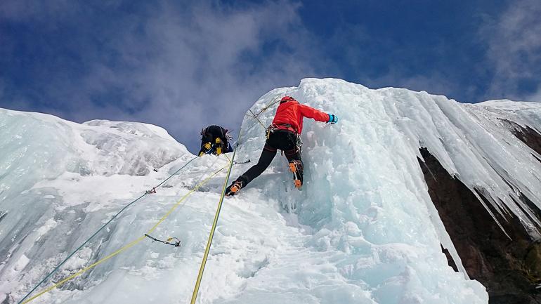 Travellers Insight Reiseblog Winterurlaub Eisklettern