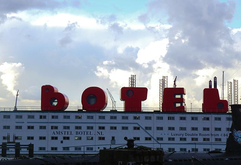 Travellers Insight Reiseblog Amsterdam Sehenswürdigkeiten Botel NDSM