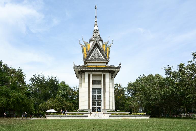 Travellers Insight Reiseblog Reisetipps Kambodscha Phnom Penh Killing Fields Stupa