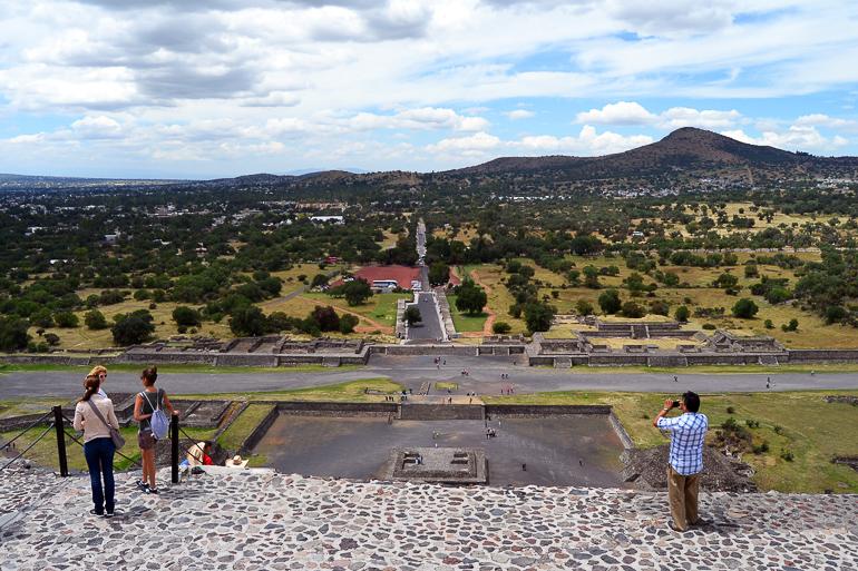 Travellers Insight Reiseblog Mexiko-Stadt Tagesausflug Teotihuacan Klettern