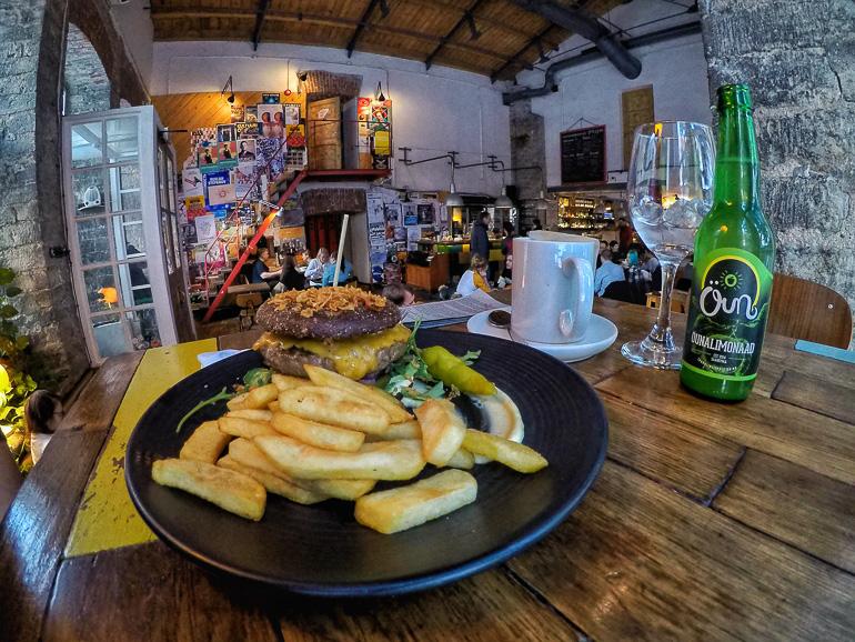 Travellers Insight Reiseblog Tallinns Sehenswürdigkeiten Restaurant