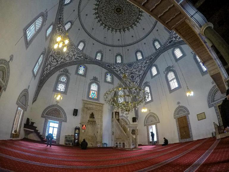 Travellers Insight Reiseblog Besuch in Pristina Große Moschee