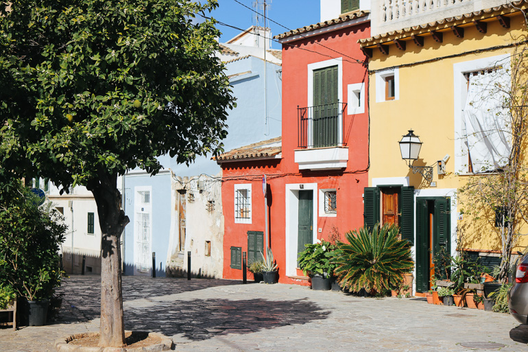 Travellers Insight Reiseblog Santa Catalina Palma Häuserzeile