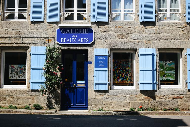 Paul Gauguin und die Schule von Pont-Aven haben den kleinen Ort als Künstlerdorf bekannt gemacht.