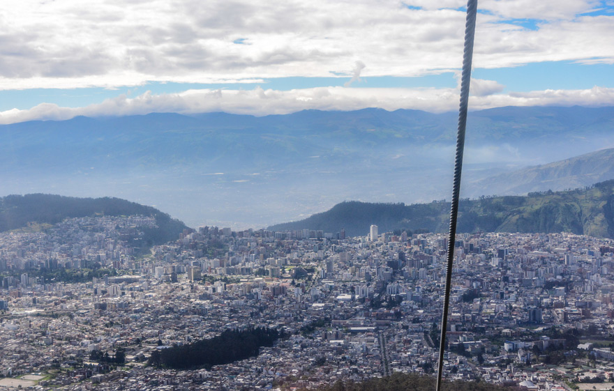"""Mit der Seilbahn, der """"Teleférico"""", geht es hoch hinaus – von über 4.000 Meter hat man einen wunderbaren Blick über Quito."""