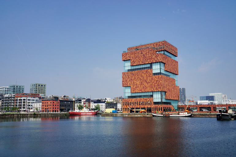 Highlight am Hafen: das MAS (Museum aan de Stroom).