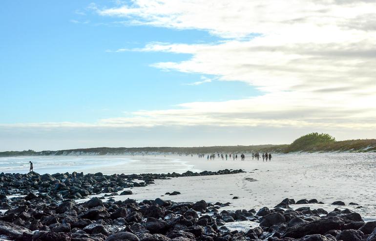 Pünktlich zum Sonnenuntergang müssen die Strandbesucher gehen, damit die Meeresschildkröten in Ruhe nisten können.