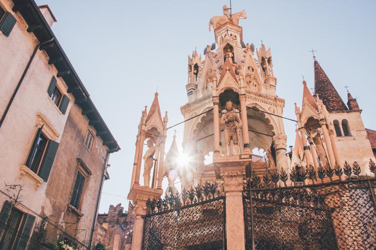 Grabmäler der Familie Scaliger in Verona