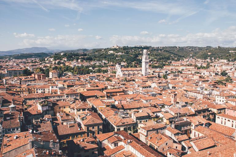Ausblick vom Torre dei Lamberti in Verona