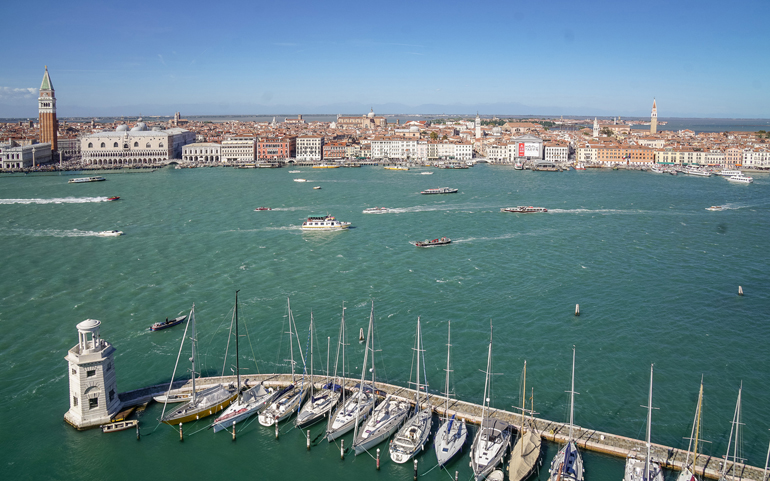 Venedig: Mit dem Boot übersetzen