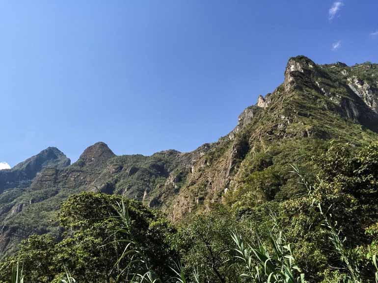 Sicht auf dem Macchu Pichu von unten.