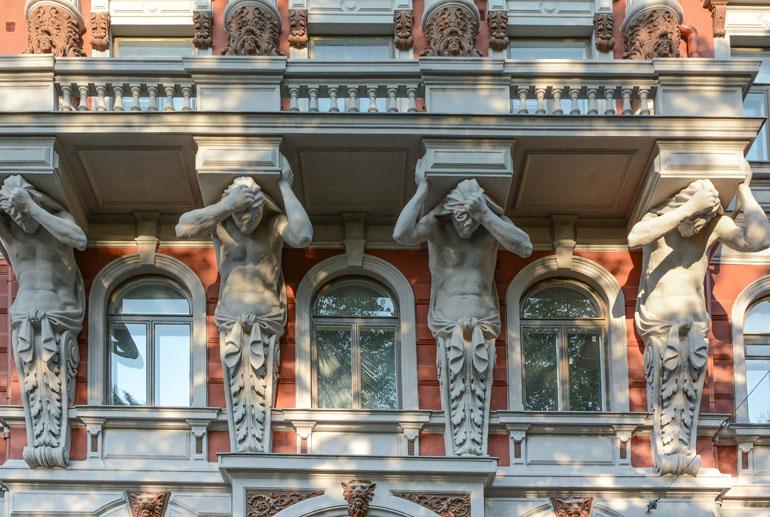 Helsinki: Häuserfassade im Jugendstil