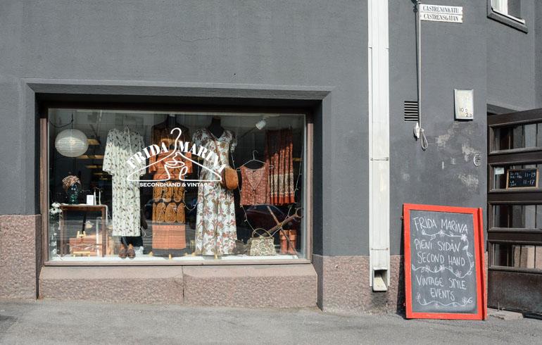 Helsinki: Schaufenster eines Secondhand Shop.