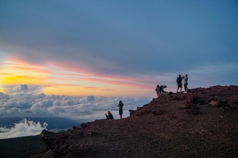 Hawaii: Sonnenuntergang auf Vulkan