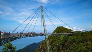 Malaysia: Aussicht auf die Sky Bridge von Langkawi.