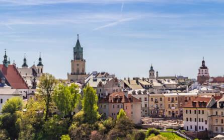 Besucher sind besonders von der Aussicht auf die Altstadt von Lublin in Polen angetan.