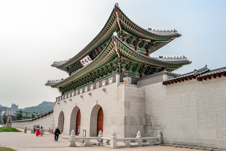 Seoul Sehenswürdigkeiten: Ein Tor zum Palast.