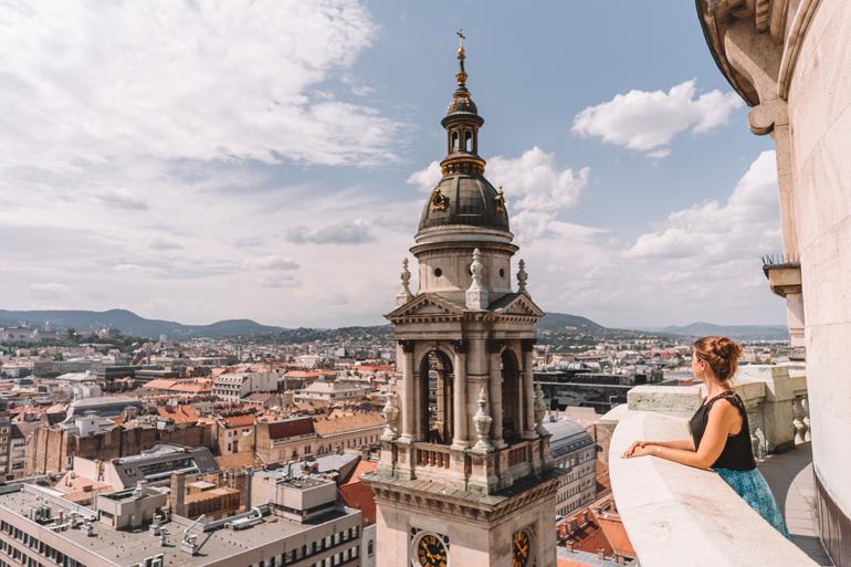 Budapest Städtetrip: Ausblick über die Stadt von der St.-Stephans-Basilika.
