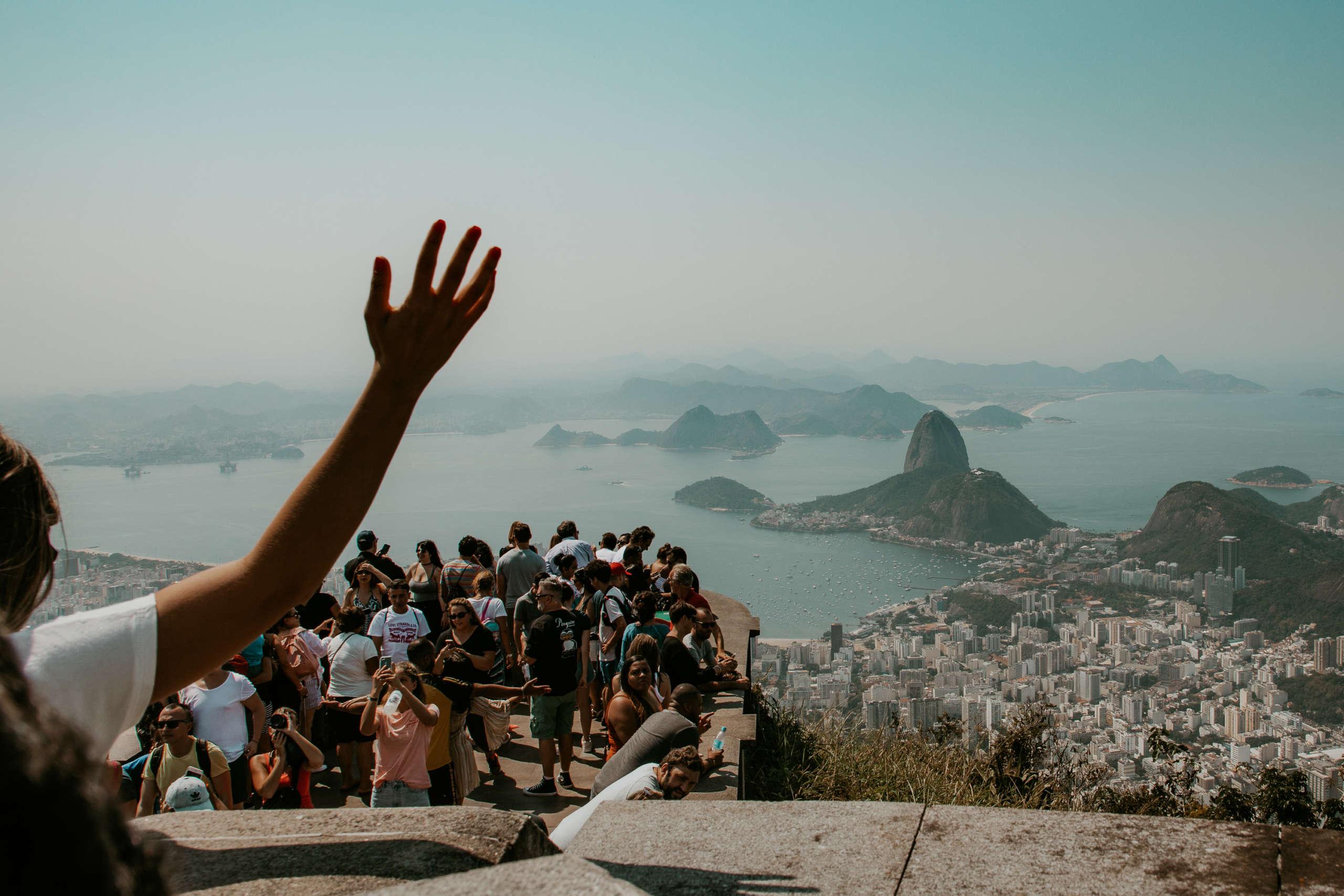 Von der Aussichtsplattform, sieht man direkt auf den Pao de Açucar, den Zuckerhut.