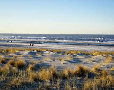 Sandstrand und Blick aufs Meer