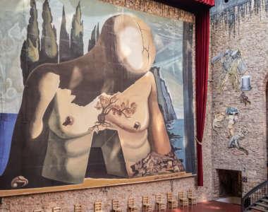 Gemälde im Dalí Museum in Figueres, Costa Brava