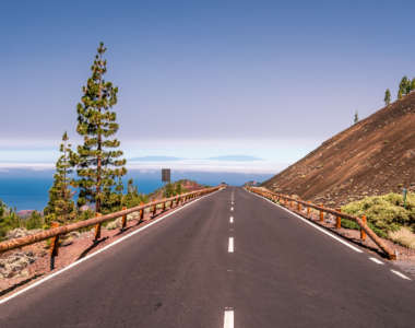 Das Straßennetz auf Teneriffa ist sehr gut ausgebaut und erleichtert Urlaubern das Herumreisen.