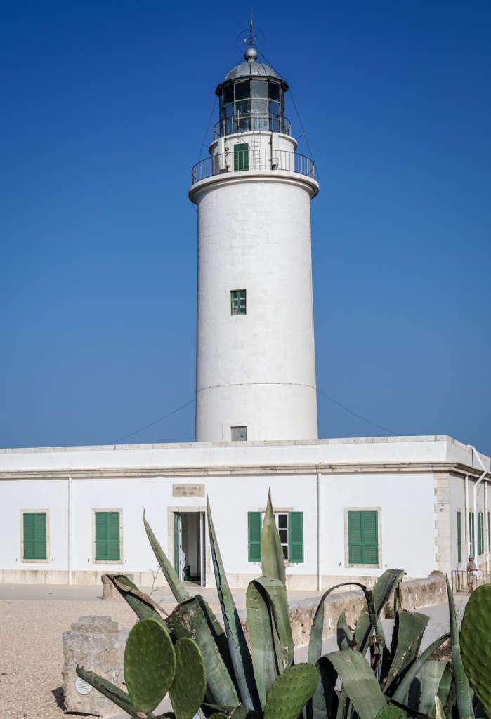 Der Leuchtturm La Mola auf Formentera ist eine der bekanntesten Sehenswürdigkeiten der Insel.