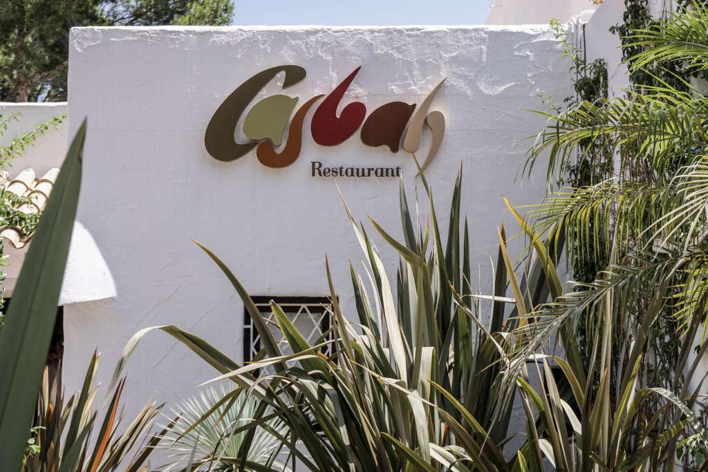 Die Unterkunft Hotel Casbah auf Formentera beherbergt auch ein Restaurant und empfiehlt sich für eine Reise.